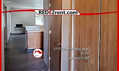 1717 Green Forest Run, 1
