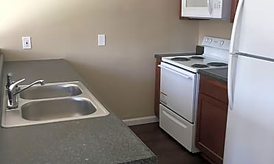 Kitchen, 913 Indian Springs Rd, 1