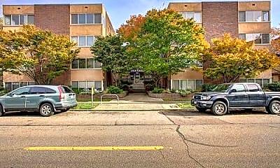 Building, 328 Bellevue Ave E, 1