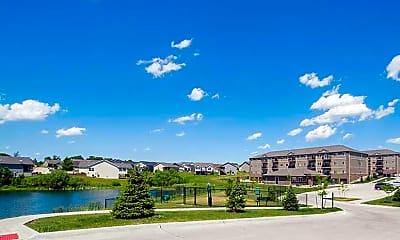 Walnut Lake Apartments, 2