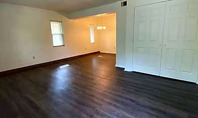 Living Room, 2303 Columbia Ct, 2