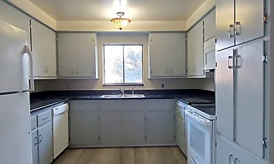 Kitchen, 2825 Malabar Ave, 1