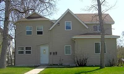 Building, 909 Elm St, 2