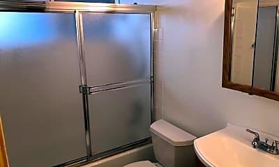 Bathroom, 412 Mill Ave S, 2