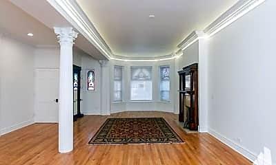 Living Room, 3152 N Pine Grove Ave, 2