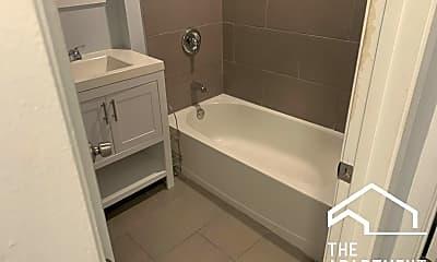 Bathroom, 2507 E 74th St, 1