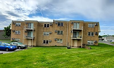 Building, 510 W Washington St, 1
