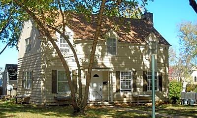 Building, 1800 Laramie St, 0