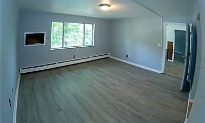 Living Room, 30 Bear Mountain Dr B6, 1