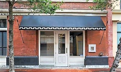 Building, 825 Lafayette St 7, 1