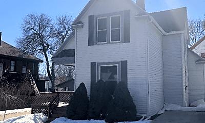 Building, 409 Niagara Ave, 1
