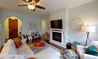Living Room, 719 SE Goldeneye Dr, 1