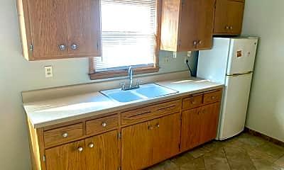 Kitchen, 1199 E Singer Cir, 1