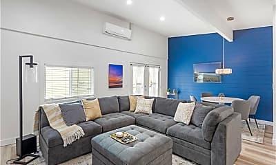Living Room, 2004 Marshallfield Ln, 2