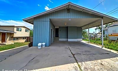 Building, 967 W 2000 N St, 1