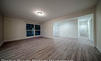 Living Room, 7663 Lucky Ln, 2