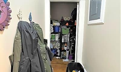 Bedroom, 16 St John St, 2