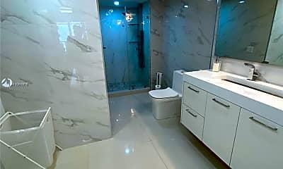 Bathroom, 1717 N Bayshore Dr A-2546, 2
