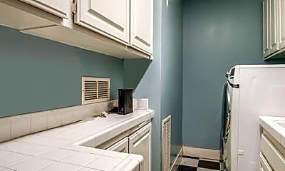 Kitchen, 20 Toluca Estates Dr, 2