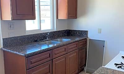 Kitchen, 1028 Redondo Ave, 1
