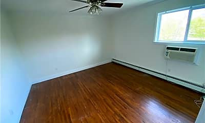 Living Room, 36 Manor Dr 36, 2