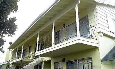 Patio / Deck, 3694 Redondo Beach Blvd, 1