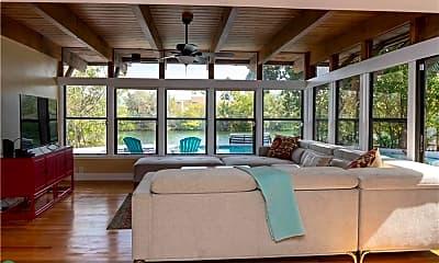 Living Room, 1524 NE 18th Ave, 1