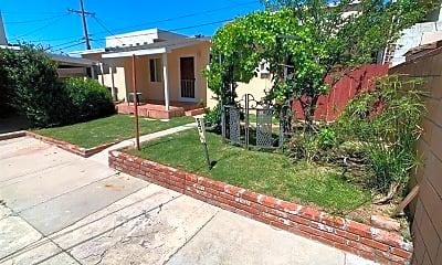 Building, 543 Salem St, 1