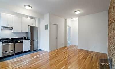 Living Room, 424 E 65th St, 1