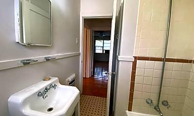 Bathroom, 725 Carol Marie Dr, 2
