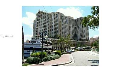 511 SE 5th Ave 2003, 1