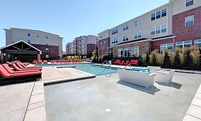 Pool, Grove at Pullman, 1