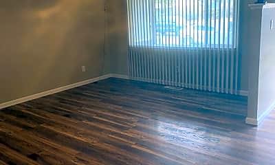 Living Room, 809 Sonoma St, 1