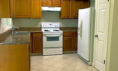 Kitchen, 332 NE Cullman Ct, 1