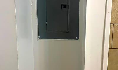 Bathroom, 647 W Market St, 2