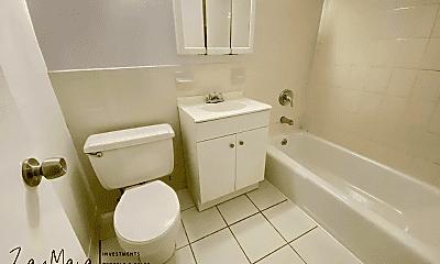 Bathroom, 111 N 3rd Ave, 2