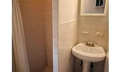 Bathroom, 130 E 37th St, 1