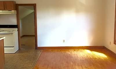 Living Room, 412 N Washington St, 1