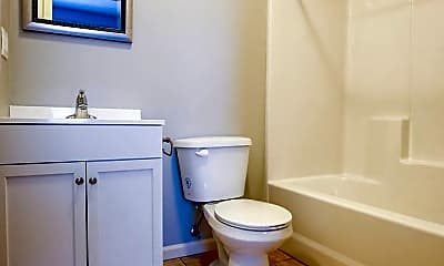 Bathroom, 1325 E Cherry St, 2