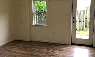 Living Room, 266 Alexandria Pike, 1