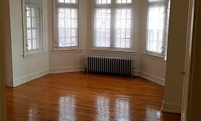 Living Room, 8154 S Marshfield Ave, 0