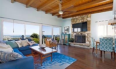Living Room, 2515 S Gaffey St, 1