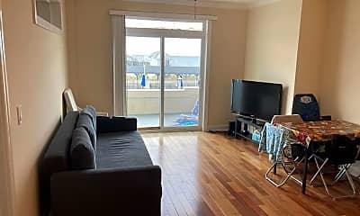 Living Room, 111 S Cambridge Ave, 1