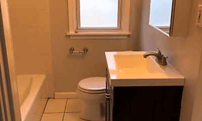 Bathroom, 92 Eiseman Ave, 2