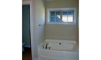 Bathroom, 130 Station Dr, 2