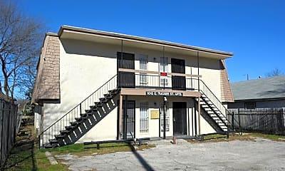 Building, 1015 E Tucker St 101, 1