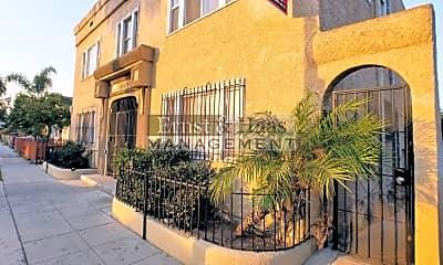 Building, 847 Cerritos Ave, 1