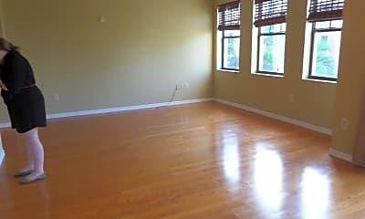 Living Room, 511 Lucerne Ave 519, 1