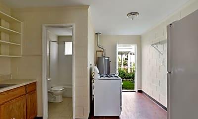 Bathroom, 1425 Monroe St, 2
