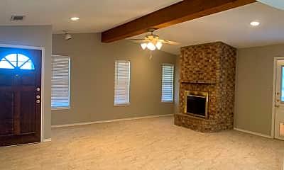 Living Room, 4705 Princeton Ave, 1